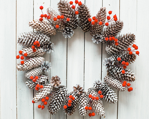 Holiday Countdown Pinecone Wreath Inspiration